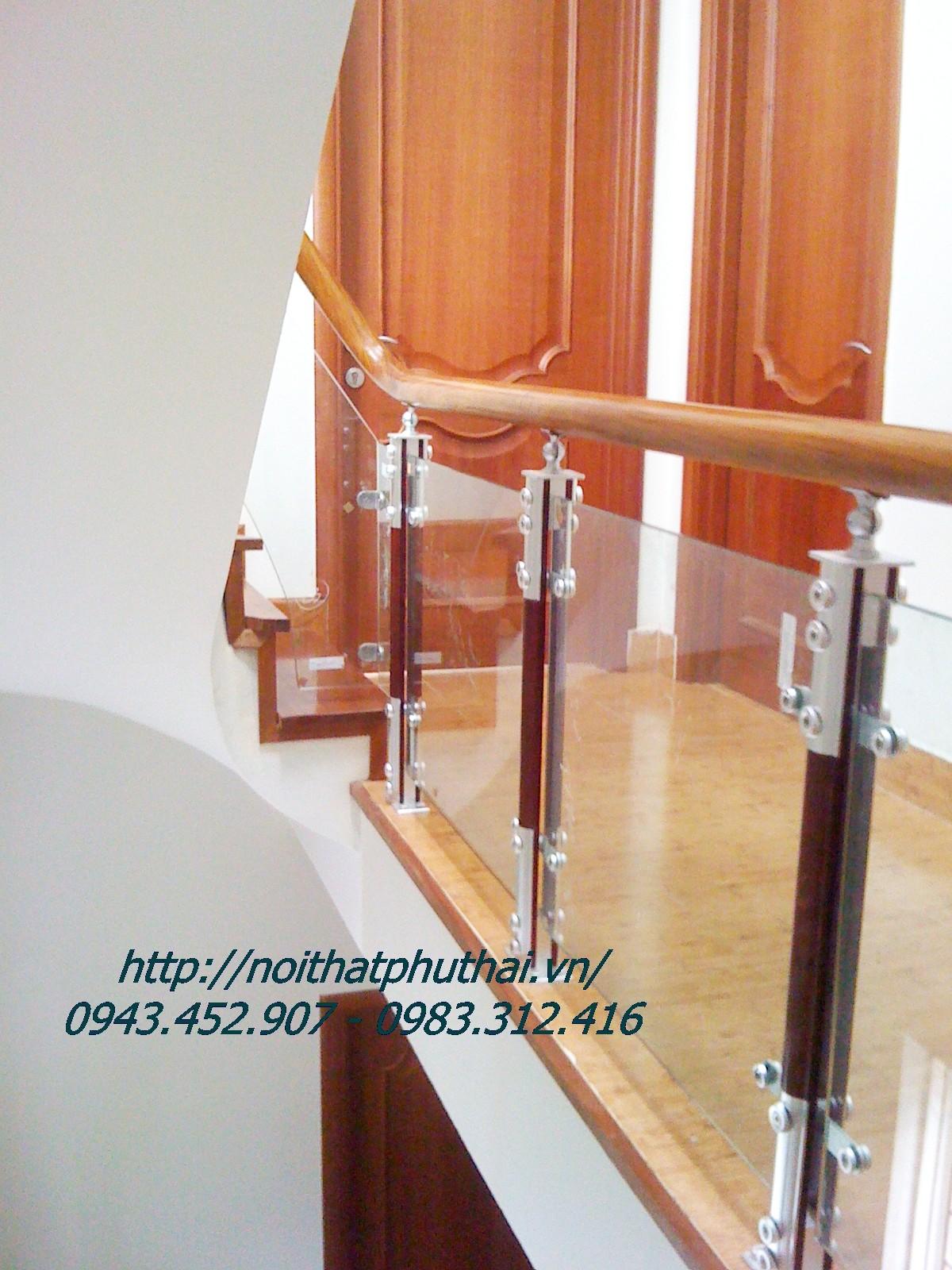 Lựa chọn cầu thang kính hợp phong thủy ngôi nhà