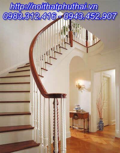 Cầu thang gỗ sồi Nga PT13