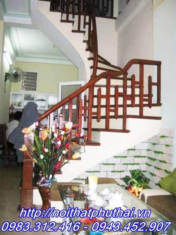 Cầu thang gỗ Lim Lào PT5