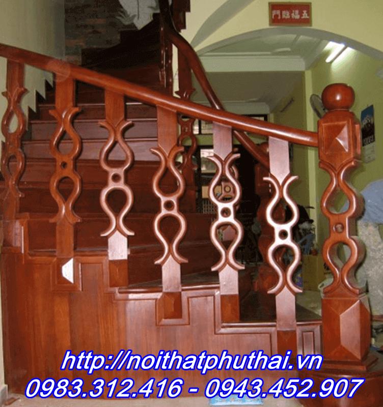 Cầu thang gỗ nghiến PT6