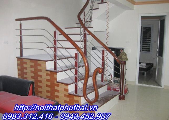 Cầu thang inox PT11