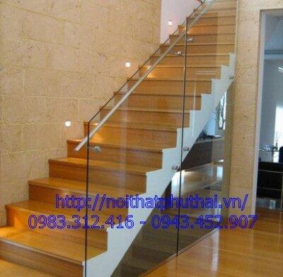 Cầu thang kính cao cấp PT23
