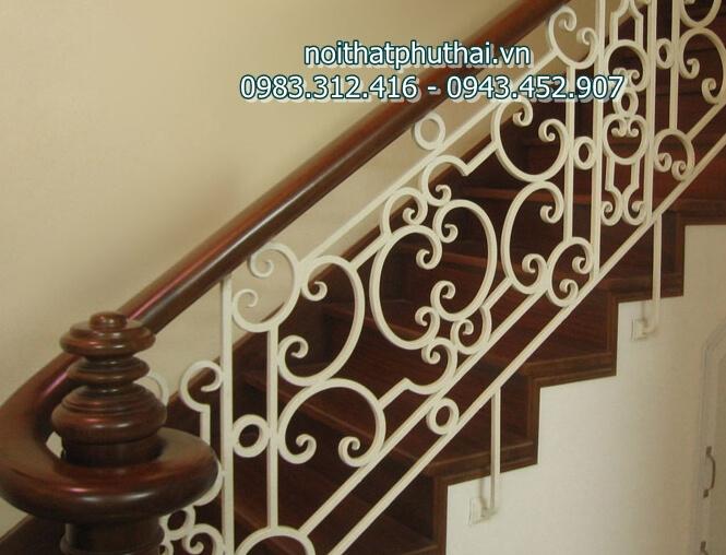 Cầu thang sắt nghệ thuật PT11
