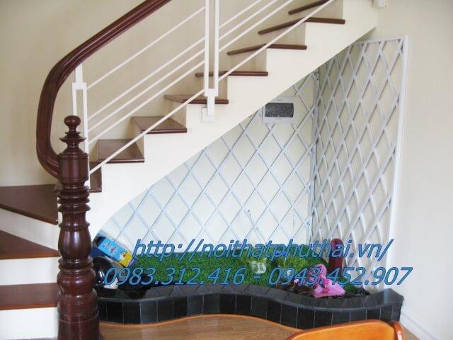 Cầu thang sắt hộp đẹp PT15