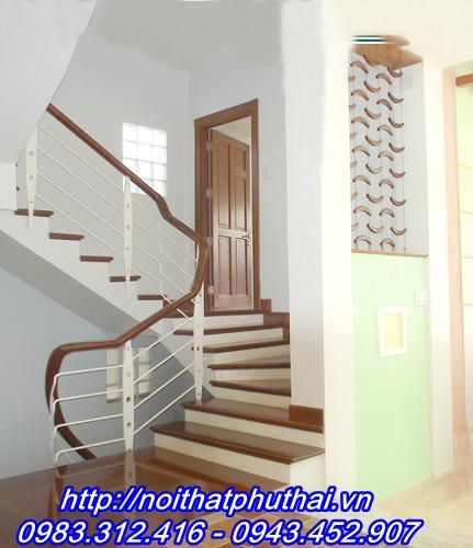 Cầu thang sắt PT2