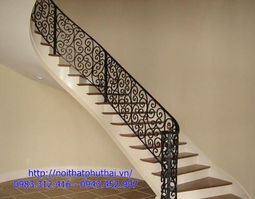 Cầu thang sắt nghệ thuật PT24