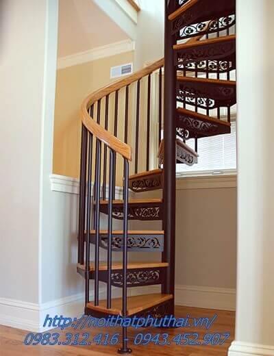 Cầu thang xoắn ốc PT8