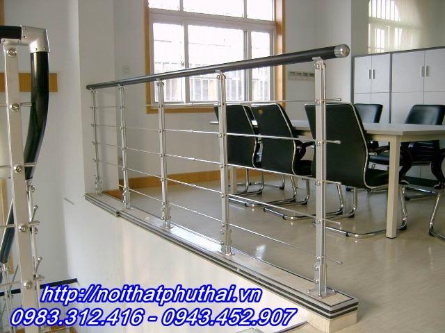 Cầu thang inox PT13