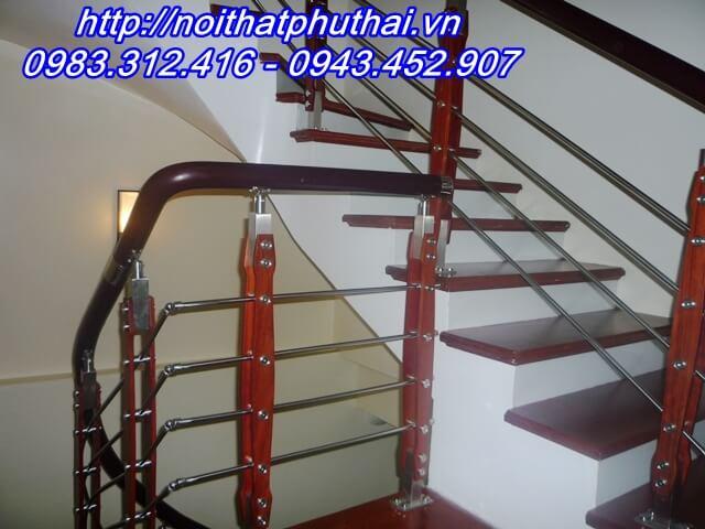 Cầu thang inox PT14