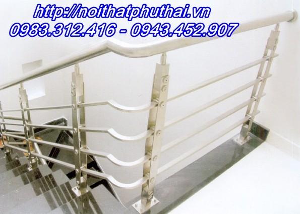 Cầu thang inox PT16
