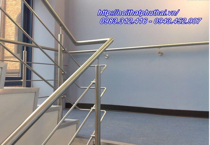 Cầu thang inox PT17