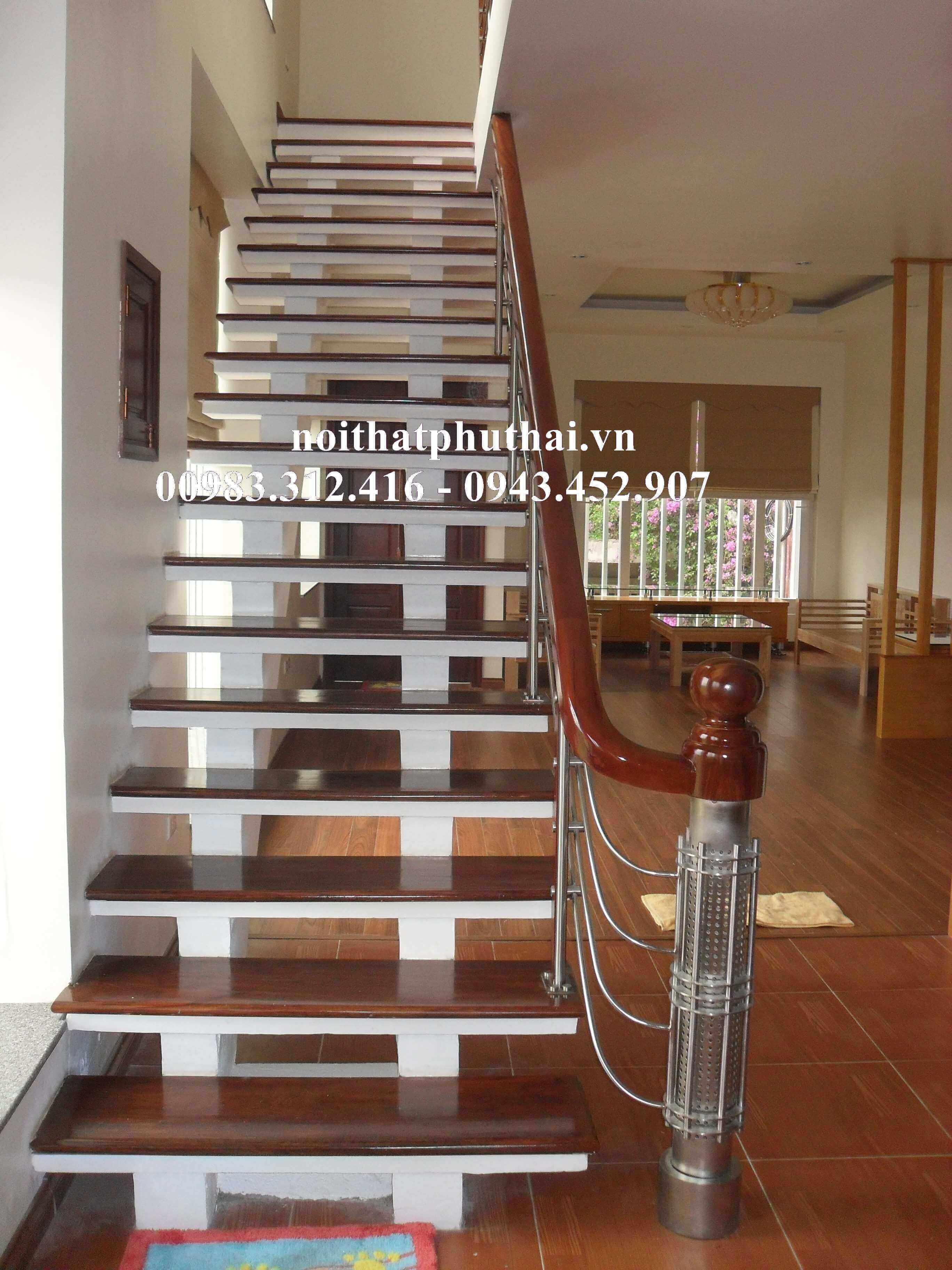Cầu thang inox PT4