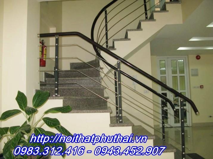 Cầu thang inox PT5