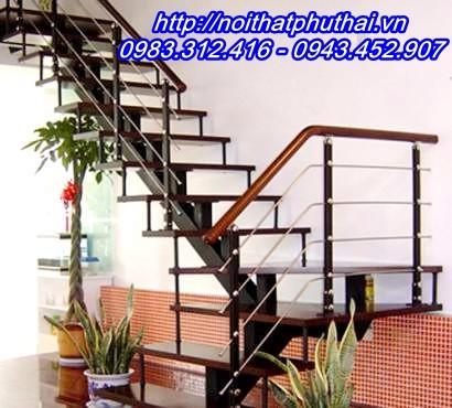 Cầu thang sắt xương cá đẹp