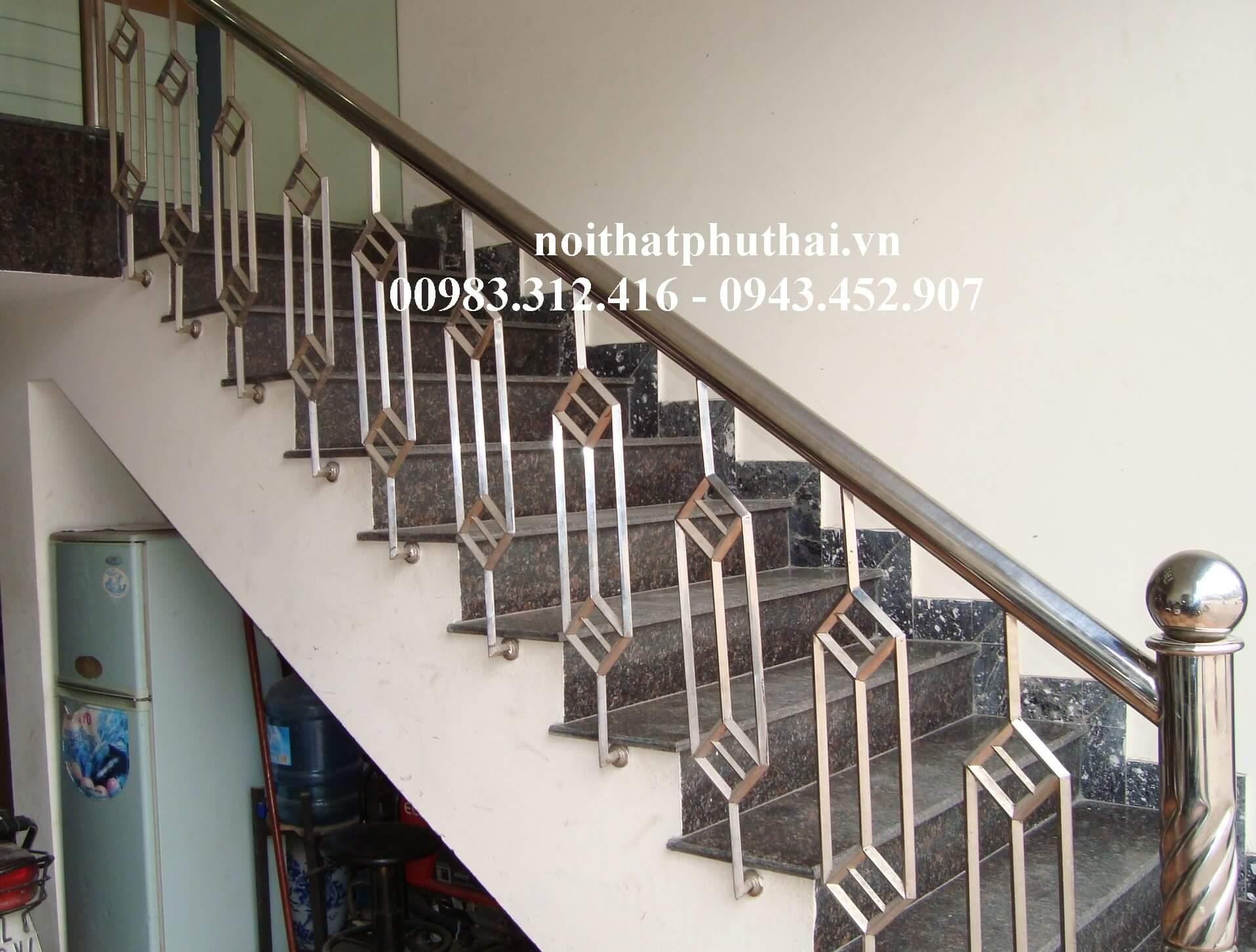 Cầu thang inox PT10