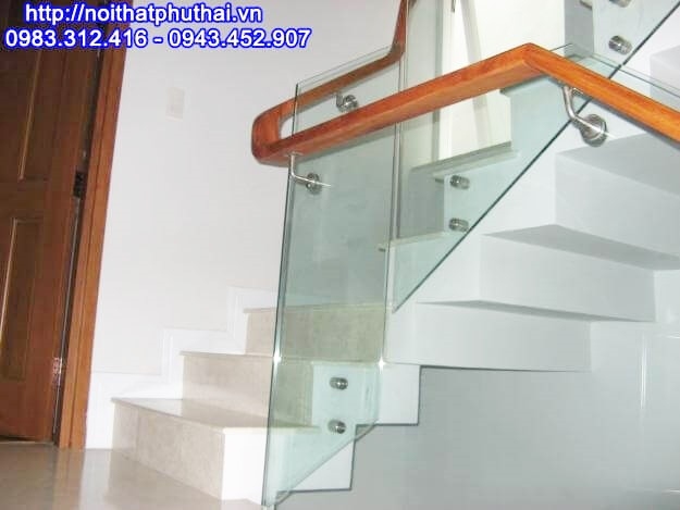 Cầu thang kính đẹp PT11