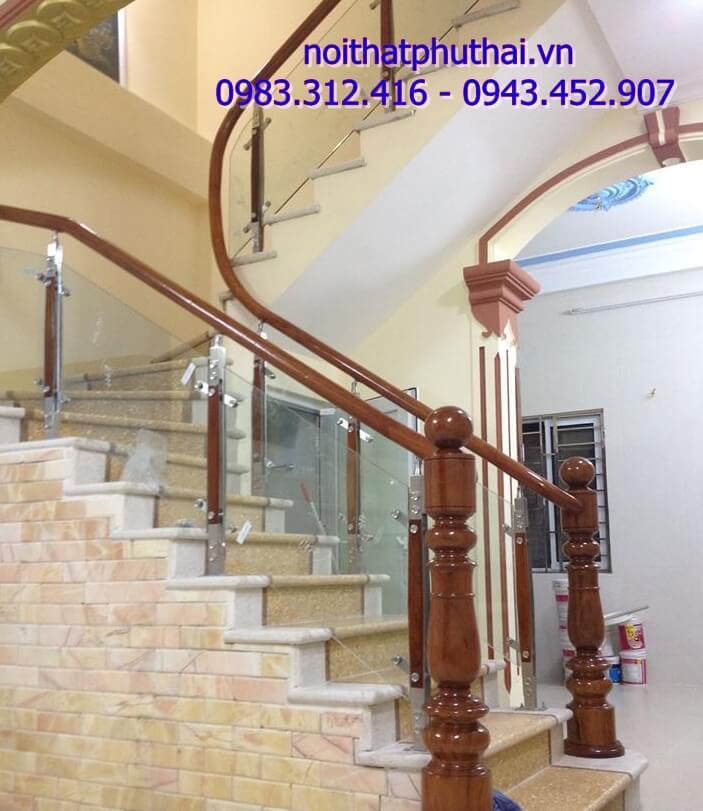 Cầu thang kính PT13