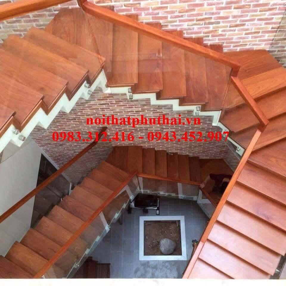 Cầu thang kính bắt pat PT18