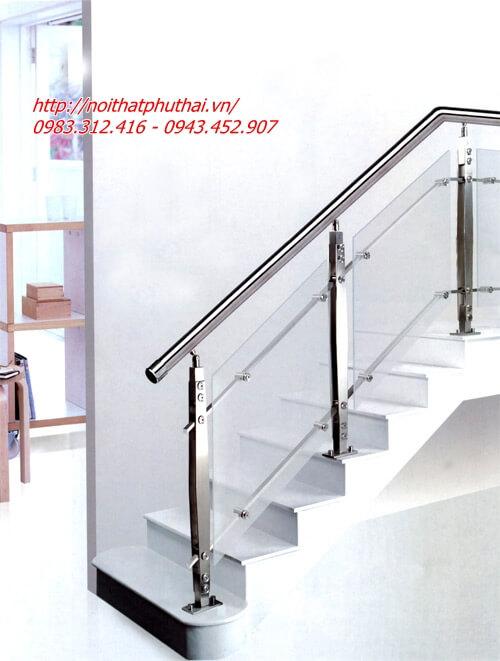 Cầu thang kính tay vịn inox PT26