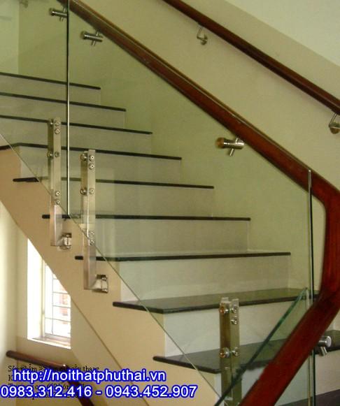 Cầu thang kính chân lửng PT5