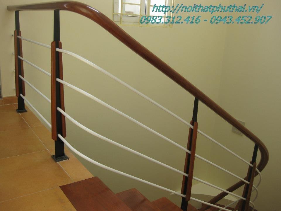 Cầu thang sắt PT5