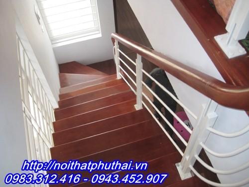 Cầu thang sắt gia re PT1