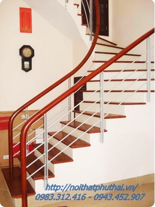Cầu thang sắt PT21