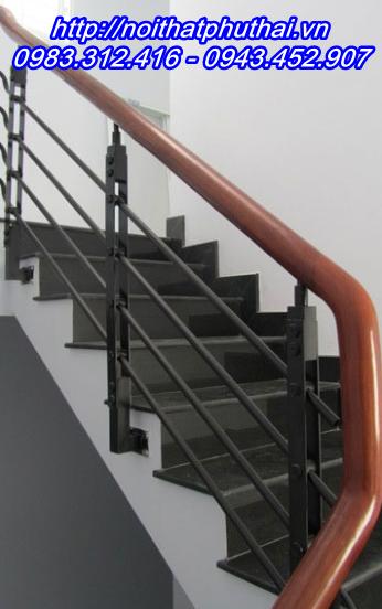 Cầu thang sắt PT3