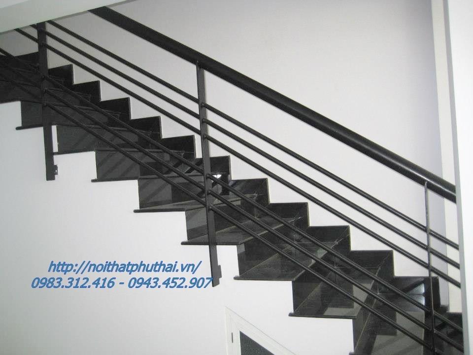 Cầu thang sắt PT4