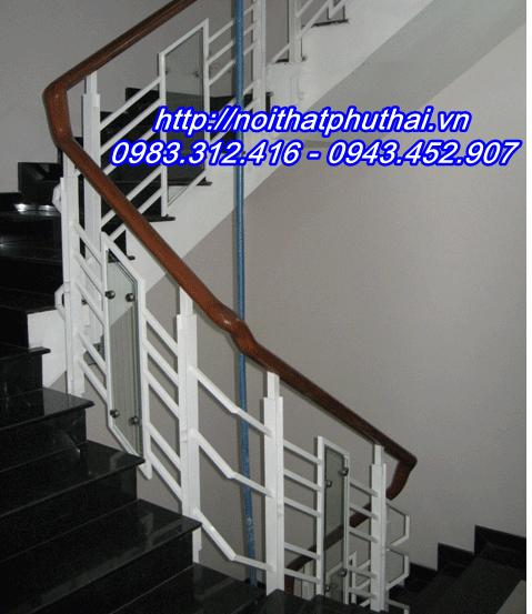 Cầu thang sắt PT6