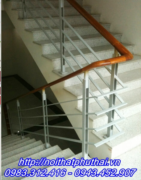 Cầu thang sắt PT9