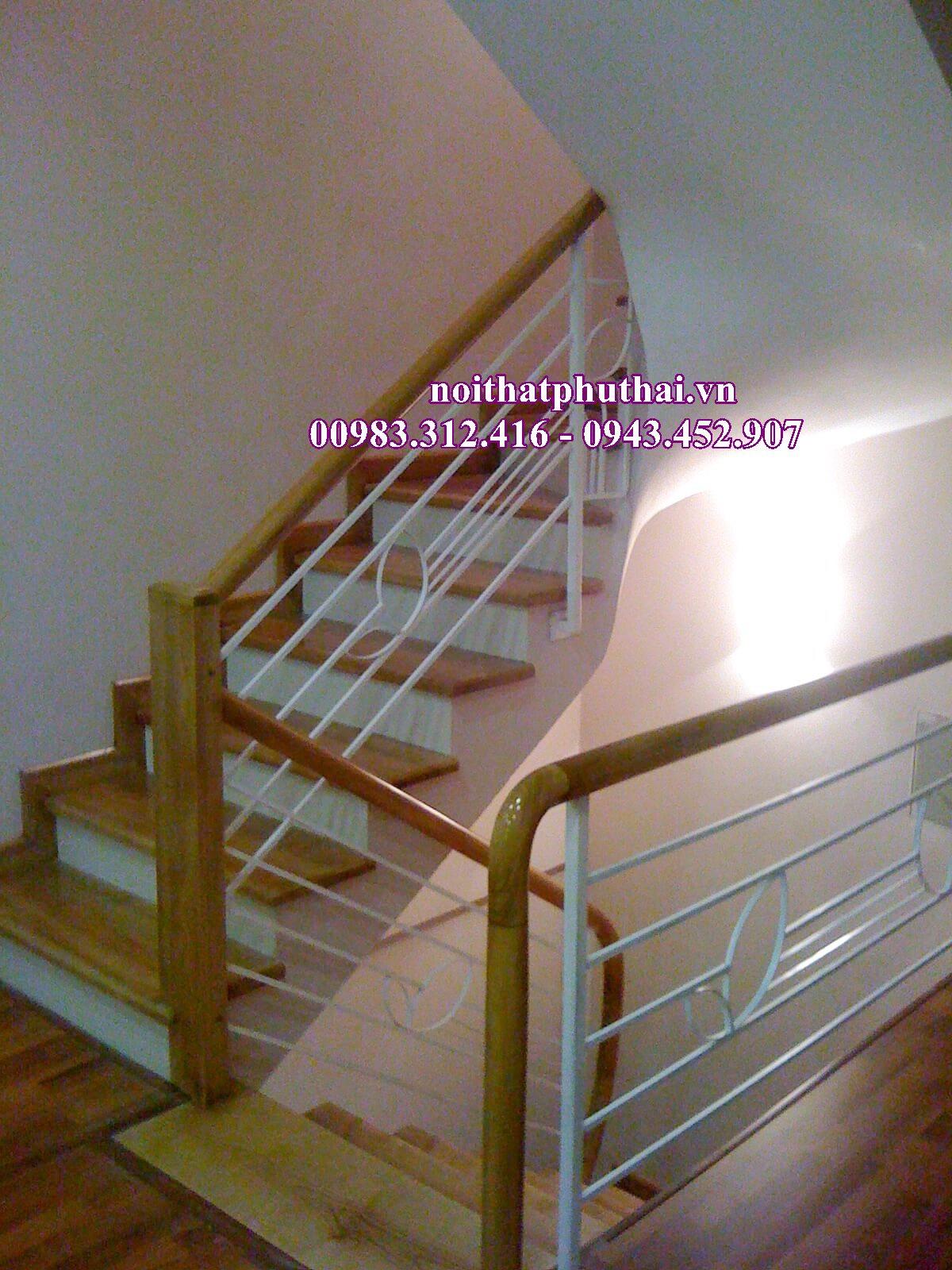 Cầu thang sắt PT14