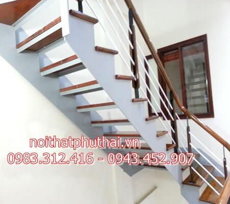 Cầu thang tiết kiệm diện tích PT17