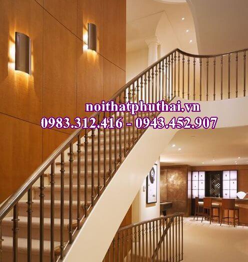 Cầu thang gỗ PT10