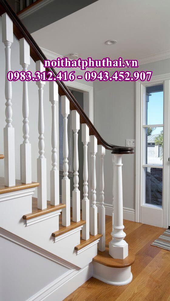 Cầu thang gỗ nghiến con tiện kép PT8
