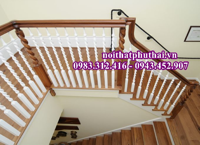 Cầu thang gỗ con tiện quả trám PT9