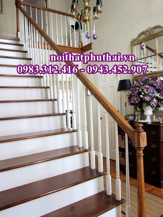 Cầu thang gỗ tự nhiên PT17