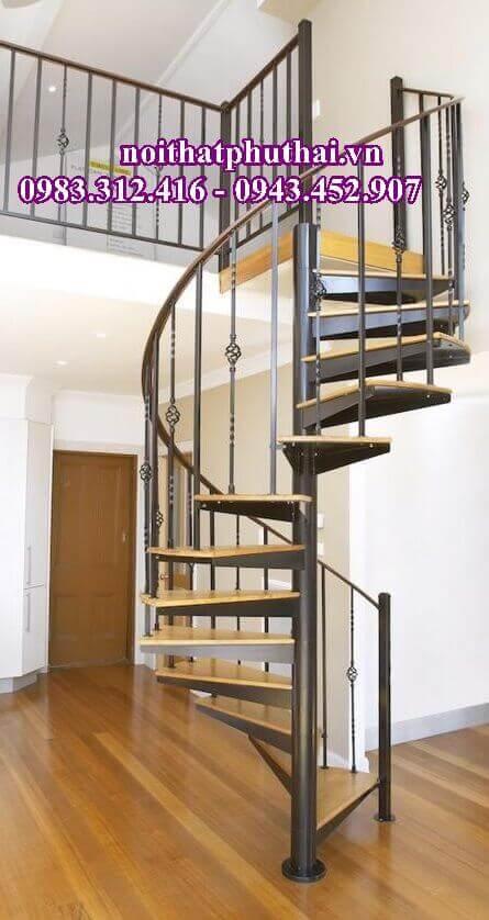 Cầu thang xoắn ốc PT5