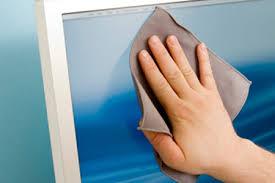Cách vệ sinh kính cường lực