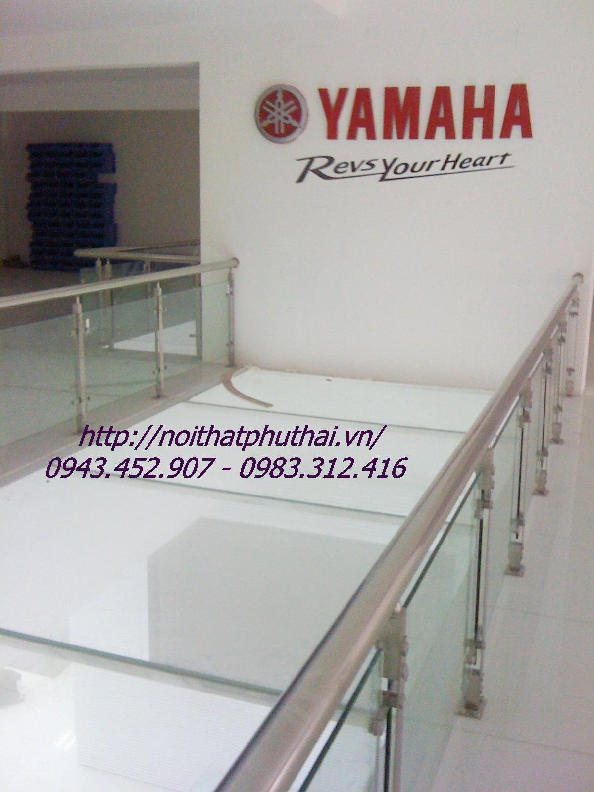 Công trình cầu thang, lan can kính cường lực showroom Yamaha 62 Nguyễn Chí Thanh - Ba Đình Hà Nội