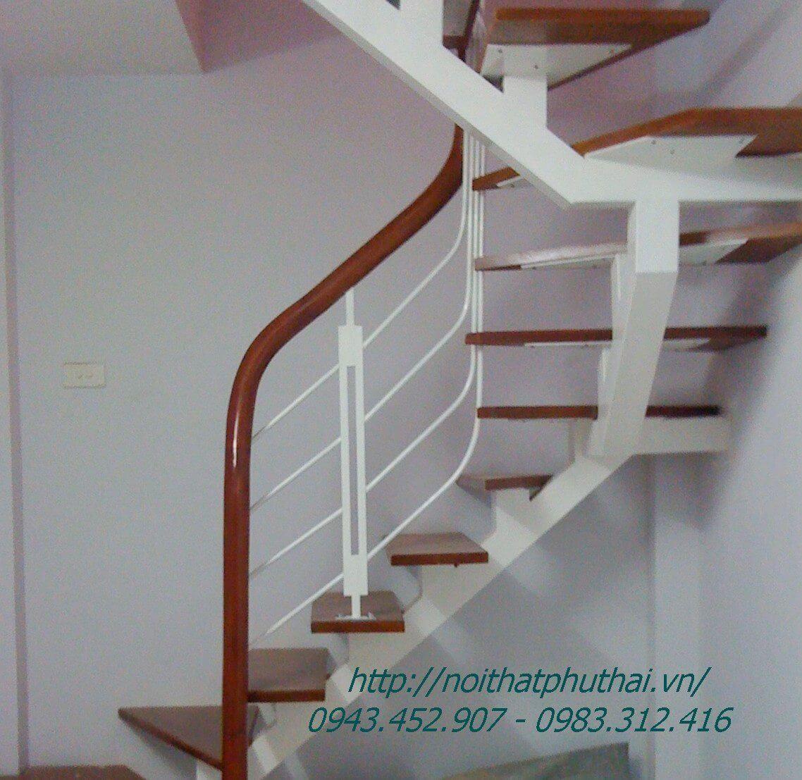 Cầu thang xương cá sắt PT12