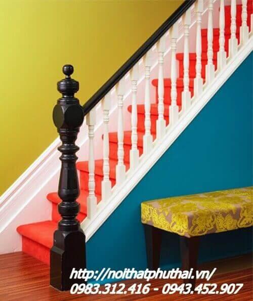 Cầu thang gỗ nghiến đẹp con tiện kép PT18
