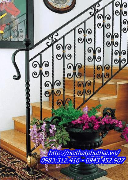 Cầu thang sắt mỹ thuật PT04