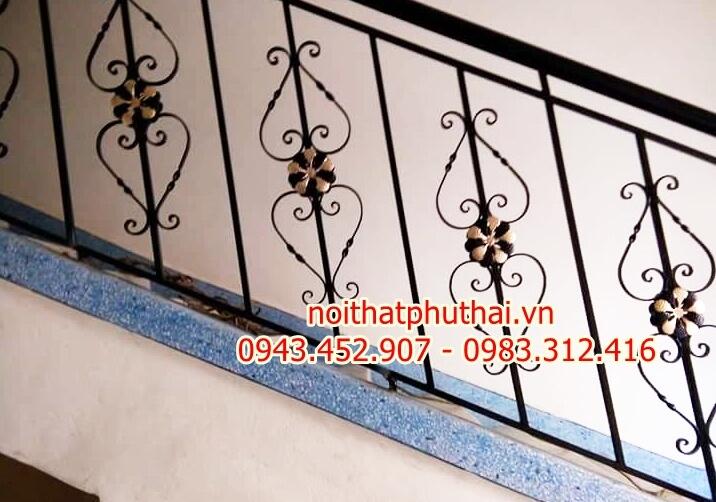 Cầu thang sắt mỹ thuật PT17