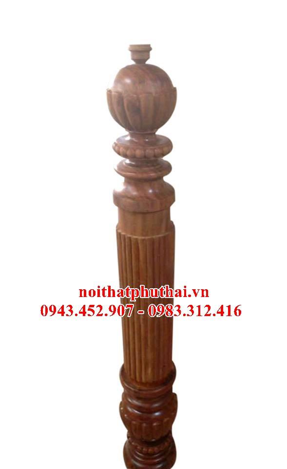 Trụ gỗ cầu thang PT09