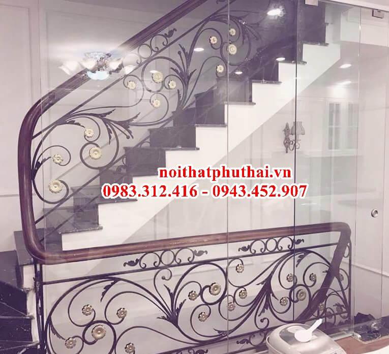 Cầu thang sắt mỹ thuật đẹp PT12